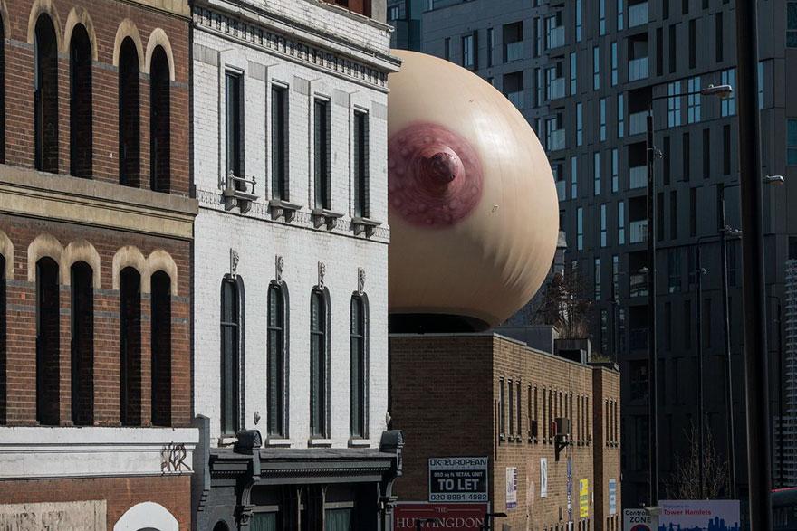 giant-inflatable-breast-breastfeeding-london-15