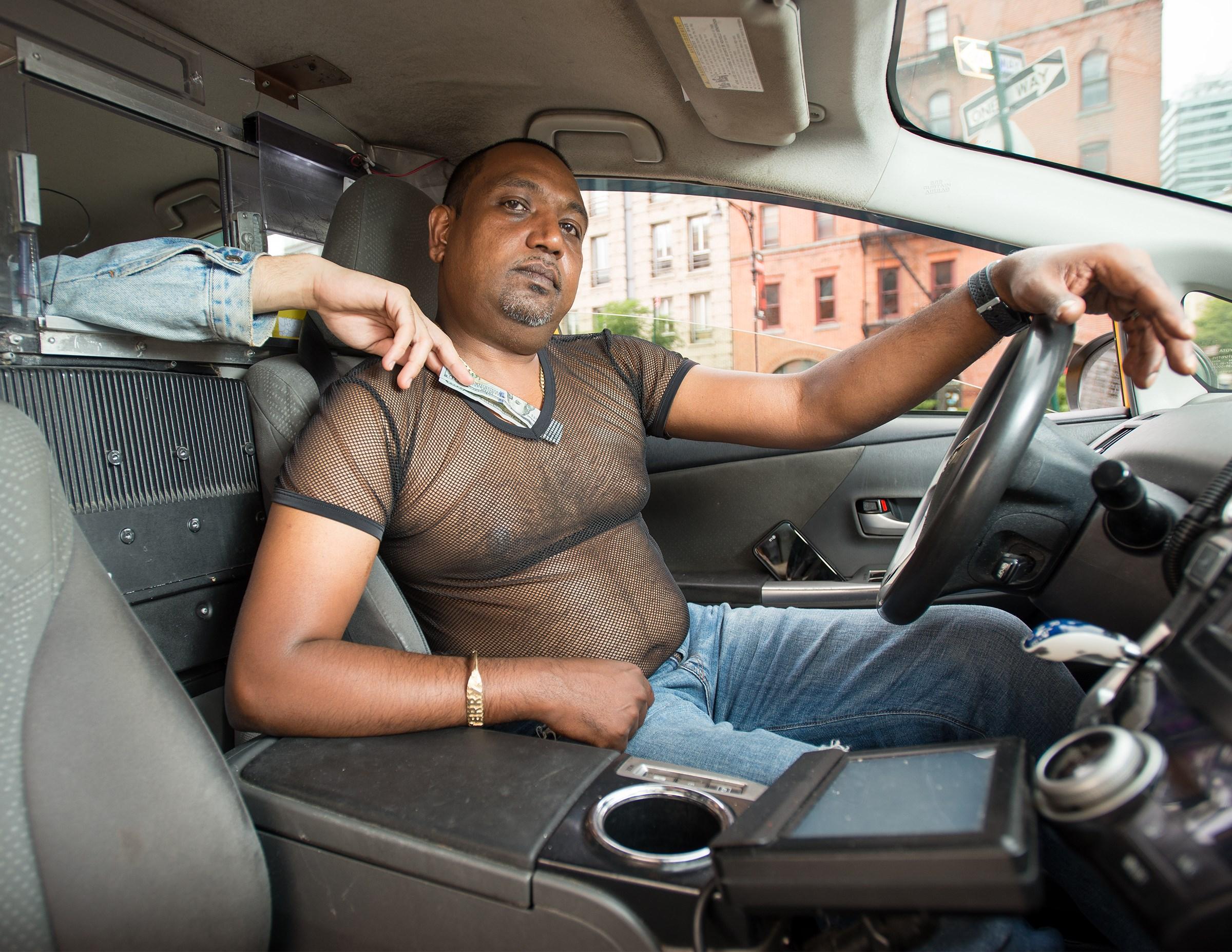 Сосущие телки в такси, После вечера с подружками тёлочка заказывает такси 16 фотография
